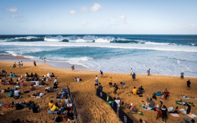The Wait for Finals Day Continues at Billabong Pipe Masters