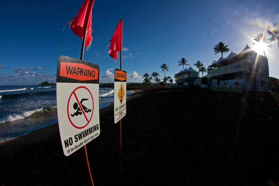 Although the waves are small today Haleiwa is know for it's strong currents.   © ASP / Rowland
