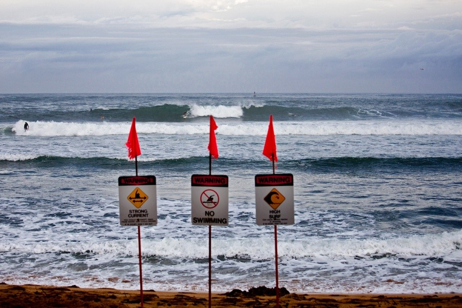 A bit smaller than yesterday but still contestable, Round 2 is on.   © ASP / Rowland