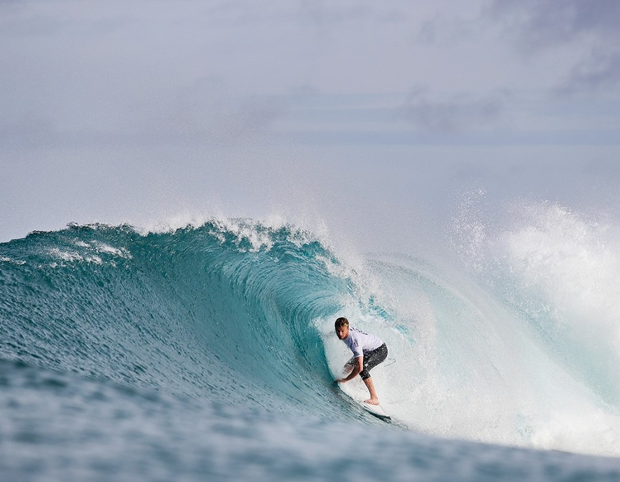 Kolohe Andino winning Heat 1 of Round Four of the Billabong Pipe Masters.   © WSL / Cestari