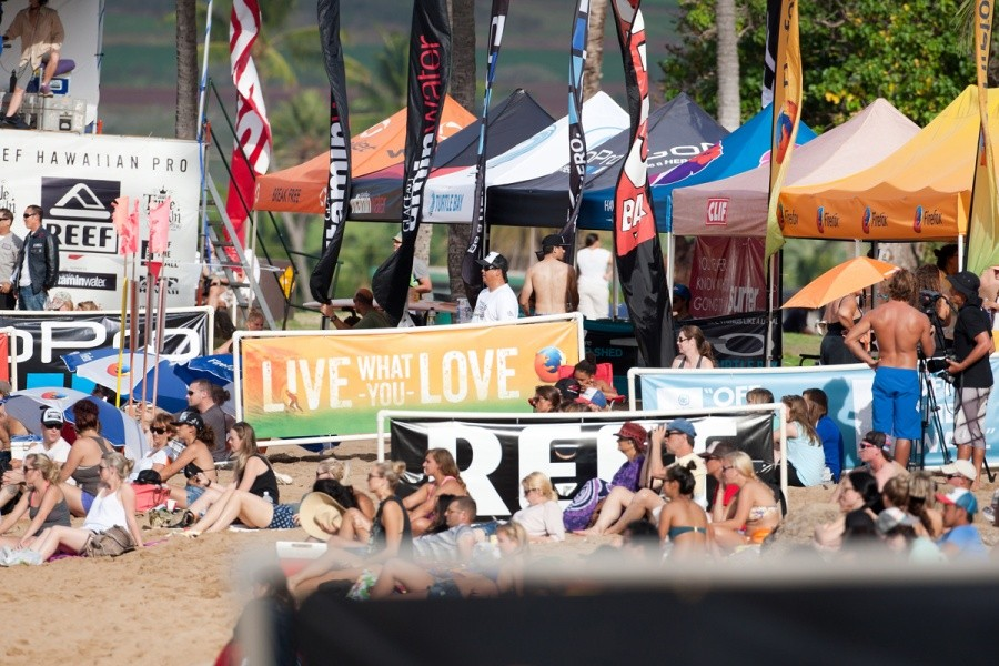 It was another good day at Haleiwa Ali'i Beach Park with Round 3 of the REEF Hawaiian Pro being completed.   ©