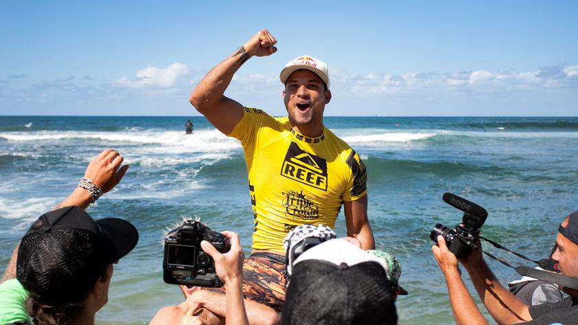 Tahiti's Michel Bourez Wins 2013 Reef Hawaiian Pro