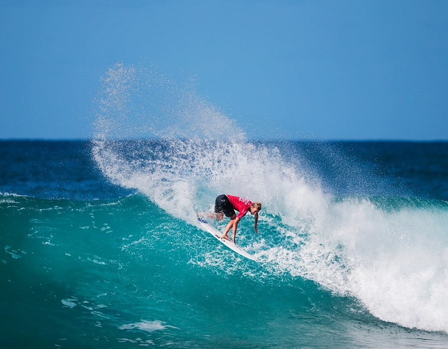 Adrian Buchan placed second in Heat 12 of Round One of the Billabong Pipe Masters.   © WSL / Heff