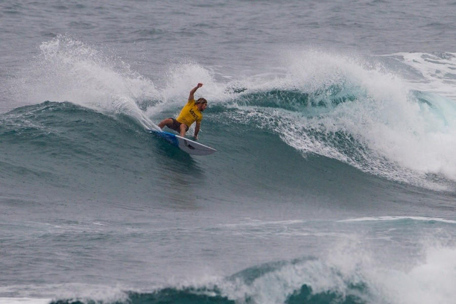 Wade Carmichael continued to excel at Sunset winning another heat with a pair of 8 point rides.   © ASP / Kirstin