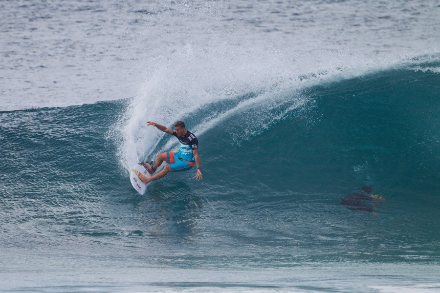 Mitch Crew carving out the end section.   © ASP / Kirstin