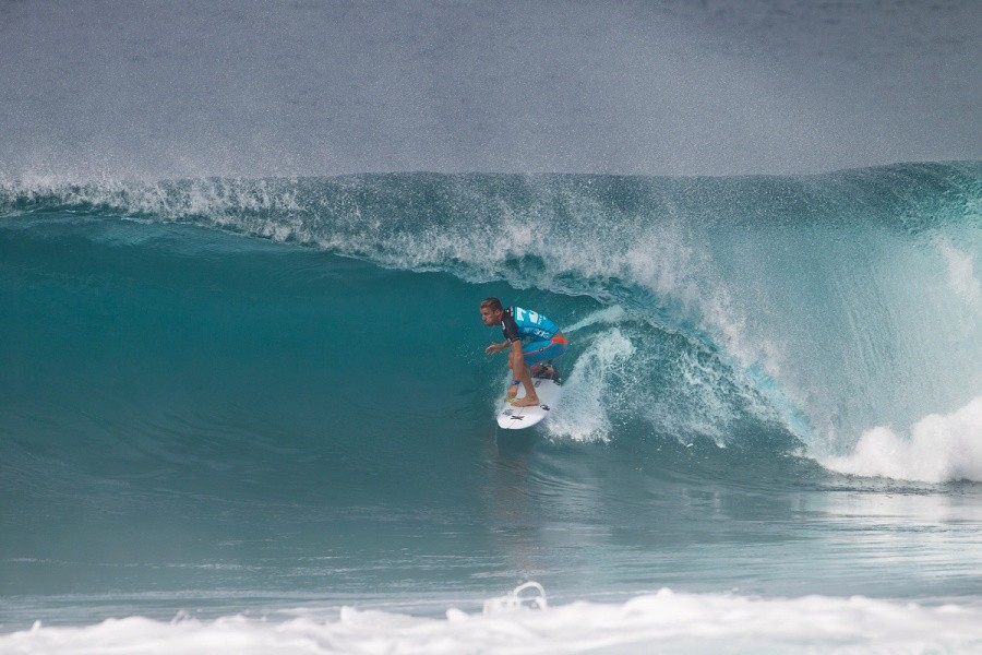 Mitch Crews posted a stellar opening performance at Pipe and has advance into Round 3.   © ASP / Kirstin