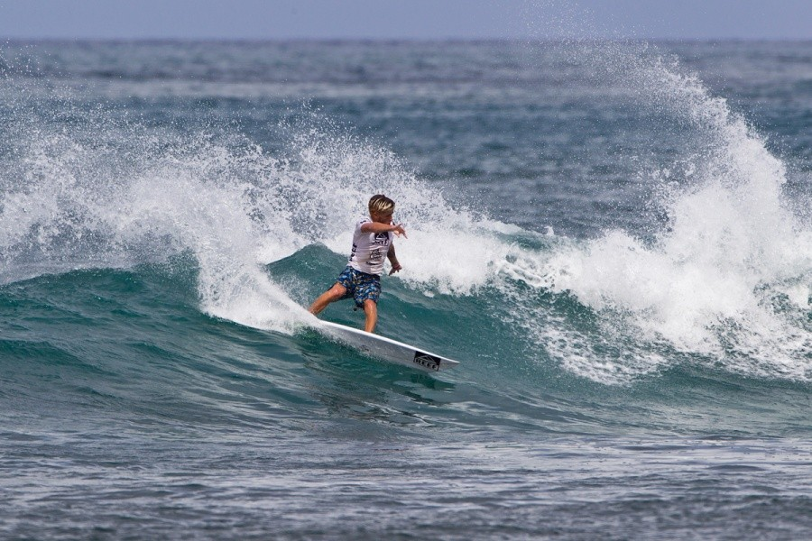Reef Team Rider Luke Davis (USA) fell short in the round of 64 today.   © ASP / Rowland