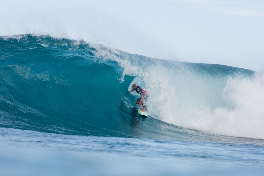Shane Dorian (HAW) usually does well at Backdoor but Round 1 proved to be the opposite.   © ASP / Cestari