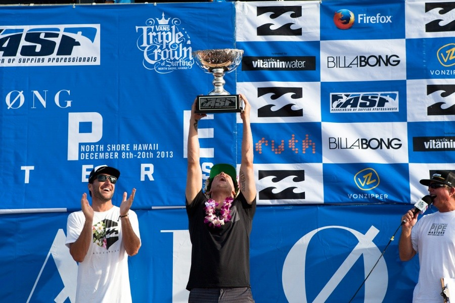 Mick Fanning (AUS) has equalled the likes of Tom Curren (USA) and Andy Irons (HAW) with three World Titles by winning the 2013 ASP World Championship at the Billabong Pipe Masters.   © ASP / Cestari