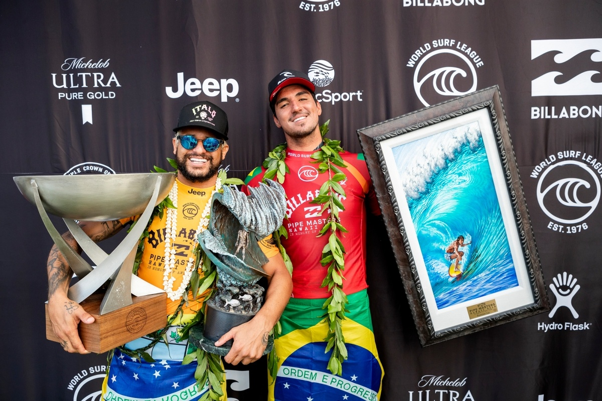 Billabong Pipe Masters first and second place, Italo Ferreira and Gabriel Medina.   © WSL / Cestari