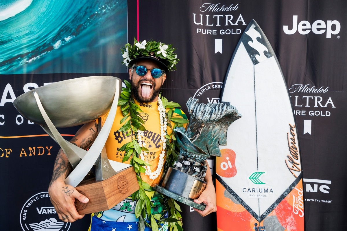 2019 Billabong Pipe Masters and World Champion Italo Ferreira.   © WSL / Cestari