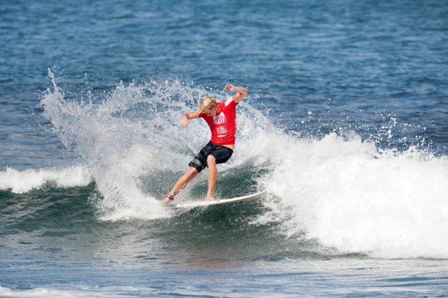 John John Florence (HAW) unfortunately incurred an interference in his opening heat.   © ASP / Cestari