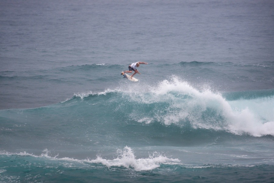 Free surfing or heats John John Florence (HAW) always has fun with his surfing.   © ASP / Cestari