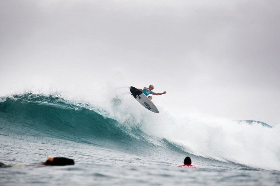 John John Florence (HAW) shares equal 5th after the semi finals.   © ASP / Cestari