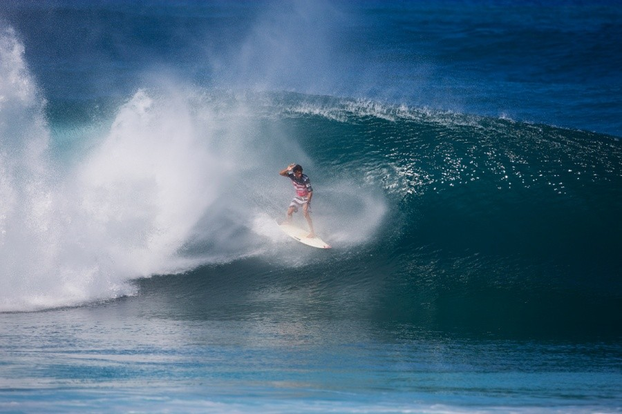 Jeremy Flores gets spat out.   © ASP / Kirstin