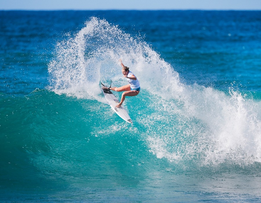 Women's Pipe Invitational winner Stephanie Gilmore.   © WSL / Heff