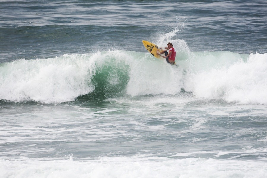 Pat Gudauskas (USA) through to Round 3.   © ASP / Cestari