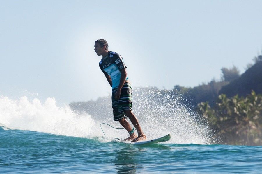 Kaimana Jaquias (HAW) thrilled with its 9.33 point ride.   © ASP / Cestari