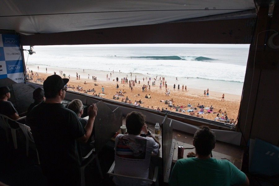The judges have the best view and for obvious reasons.   © ASP / Cestari