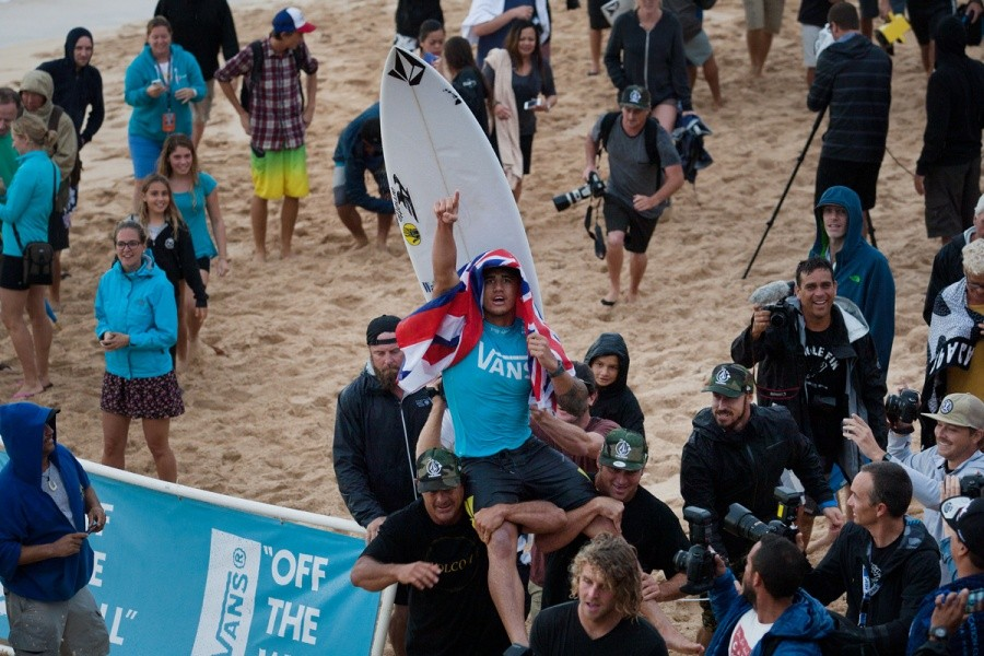 To the winners' podium.   © ASP / Cestari