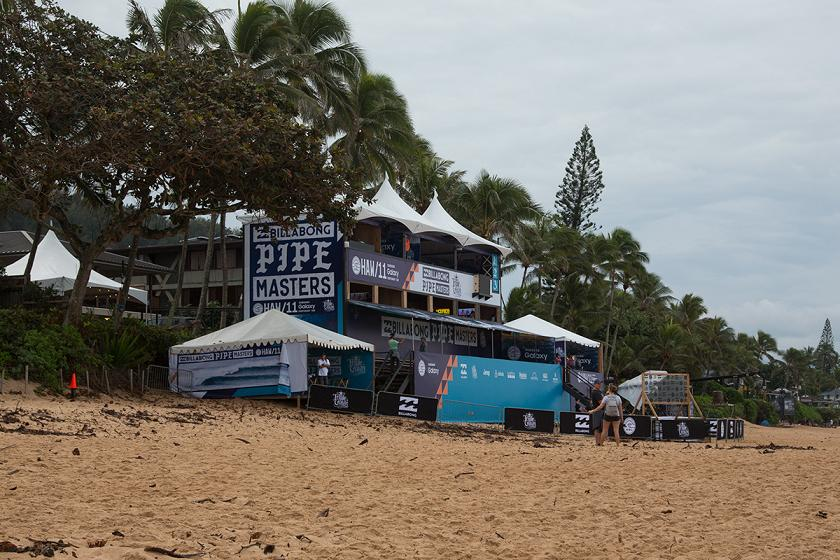 Lay Day at the Billabong Pipe Masters