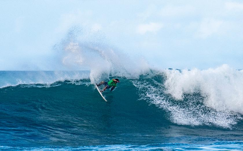 Haleiwa Turns On, Premium Waves and Scores at Hawaiian Pro