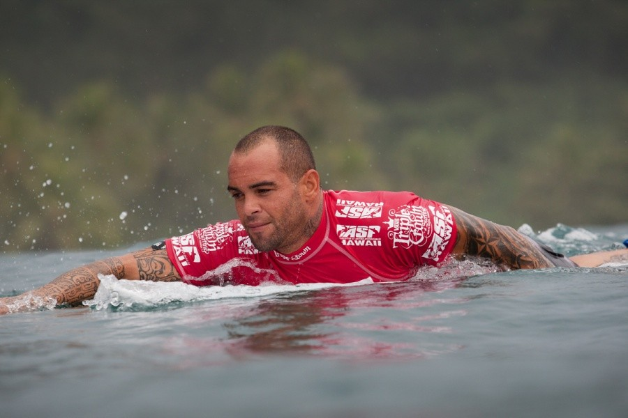 Raoni Monteiro (BRA) needed a good result and placed third in the VANS World Cup of Surfing, securing his place on the 2014 ASP World Tour.   © ASP / Cestari