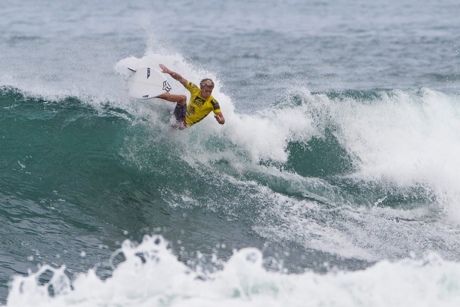 Tanner Hendrickson (USA) surfed a good heat but failed to advance.   © ASP / Rowland