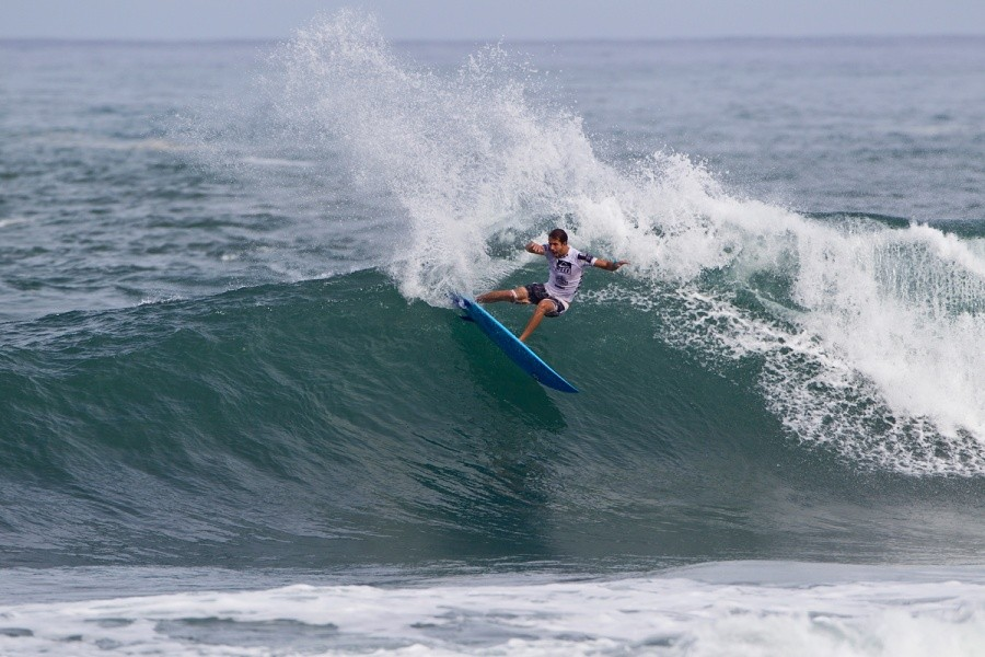 Bino Lopes (BRA) placed 4th and didn't make it out of round 128.   © ASP / Rowland