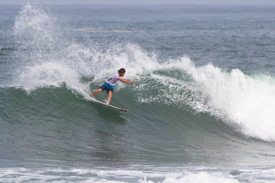 Santiago Muniz (ARG) placed second in his round of 128 heat and will advance into the next round.   © ASP / Rowland