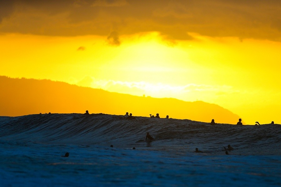 Sunset at Off-the-Wall.   © WSL / Masurel