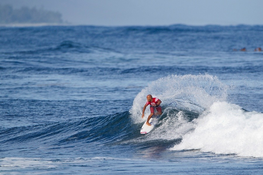 Freddy Patacchia (HAW) placed first in his heat and advanced into the next round.   © ASP / Rowland