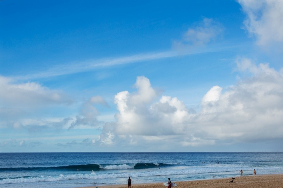 Small surf forced organizers to call a lay day.   © ASP / Kirstin