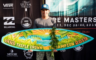 Kelly Slater Wins Third Vans Triple Crown of Surfing Title