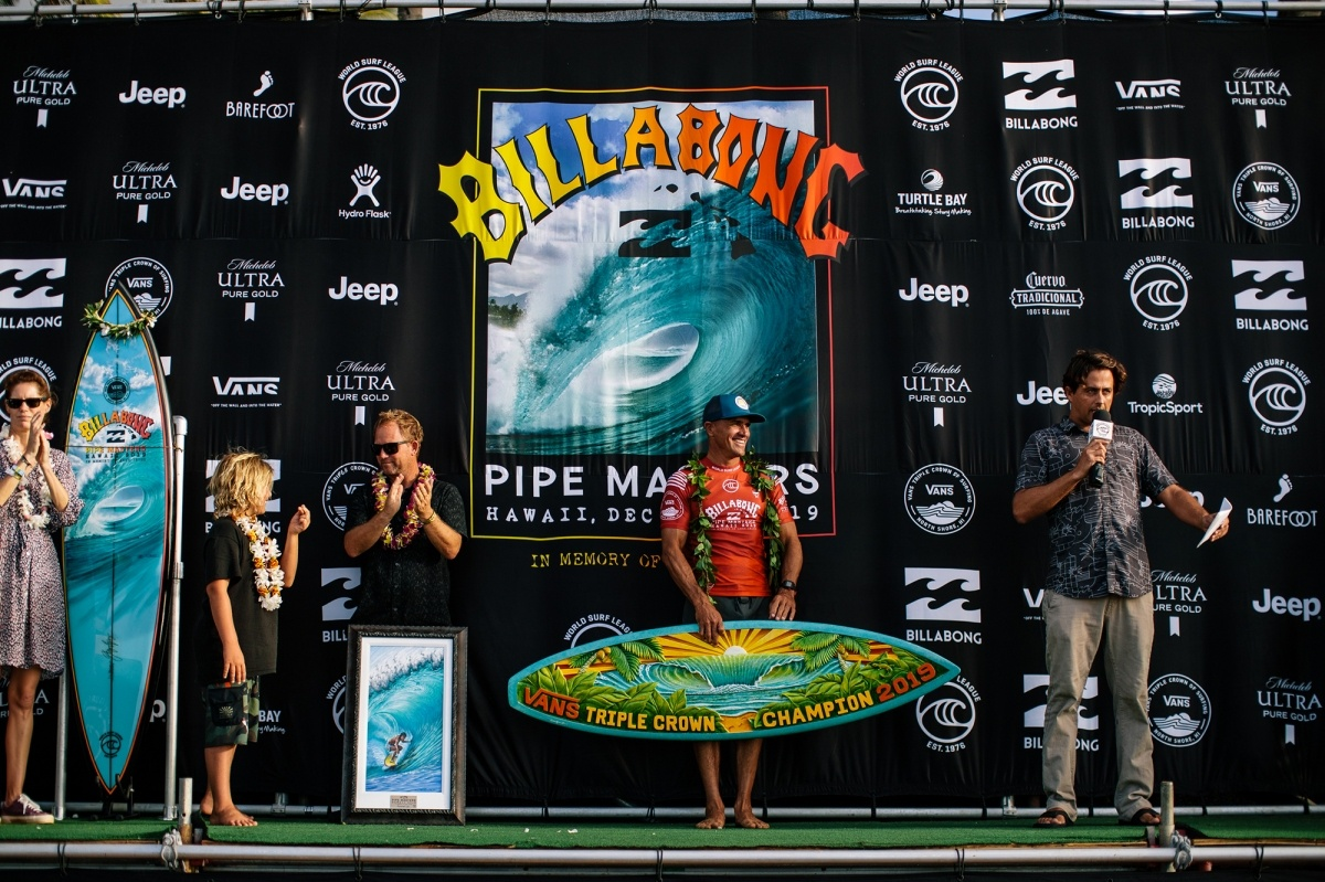 2019 Vans Triple Crown Champion Kelly Slater.   © WSL / Sloane