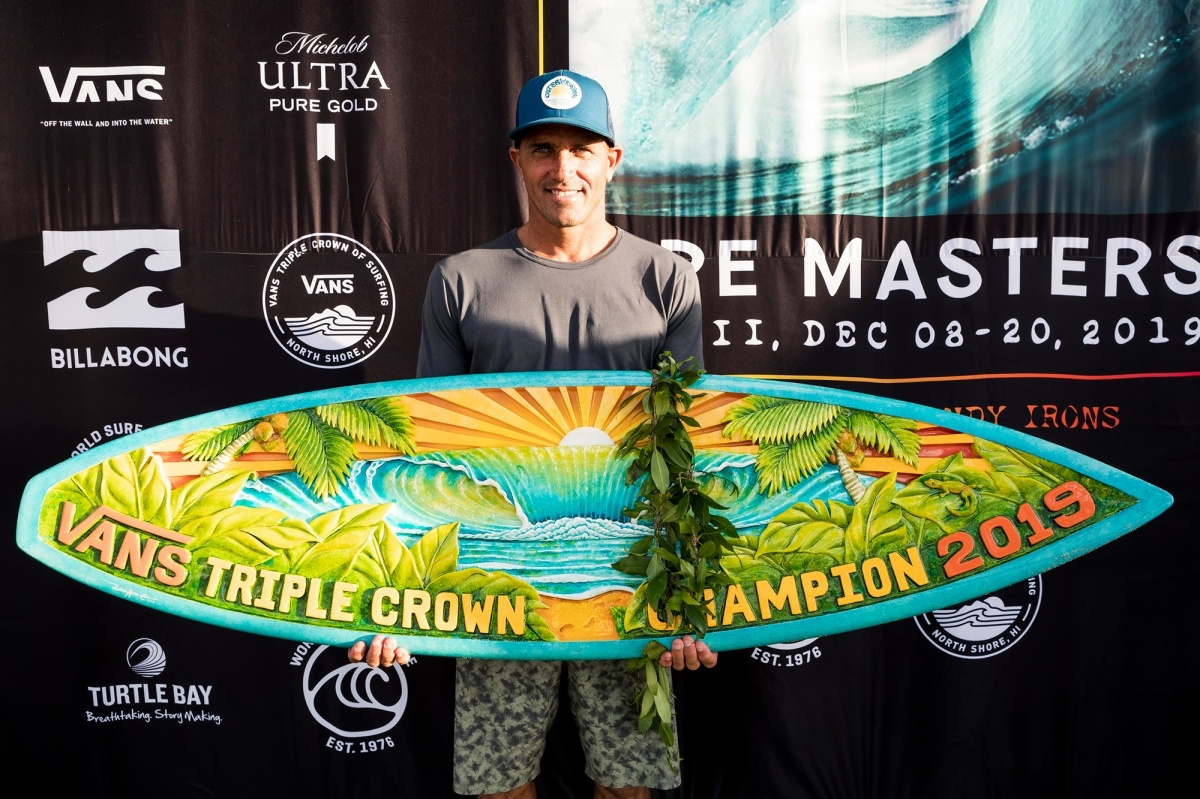 2019 Vans Triple Crown Champion Kelly Slater.   © WSL / Cestari