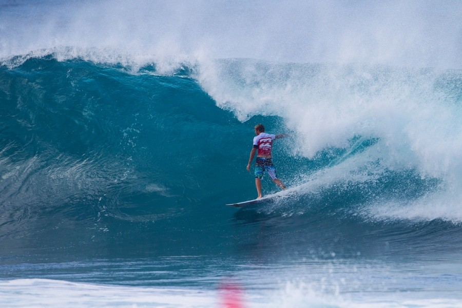 Sebastien Zietz standing tall at Backdoor and advancing into round 3.   © ASP / Kirstin